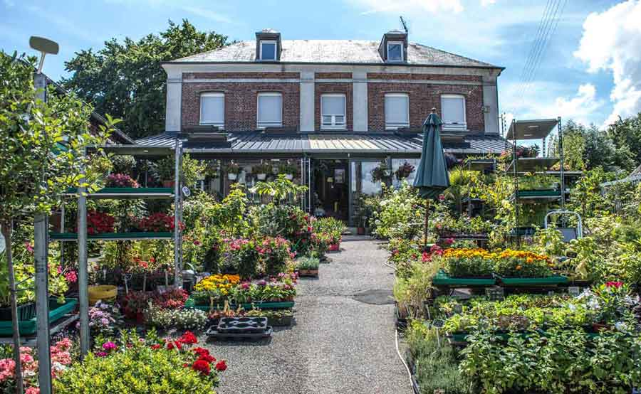 ancienne_poste_de_saint_georges_du_vievre_le jardin_du_vievre_fleuriste_et_bureau_de_poste
