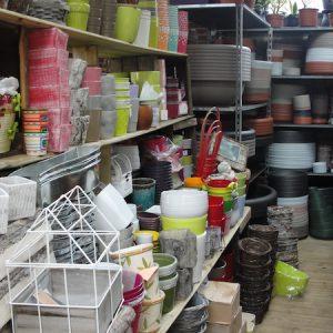 pots contenants à fleurs et à plantes