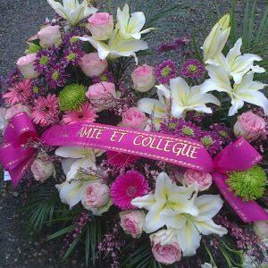 devant de cercueil lys, roses, magasin le jardin du vievre en normandie 27450